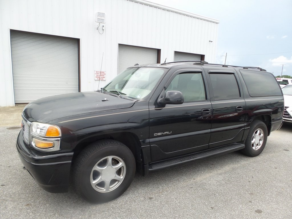 Pre-Owned 2004 GMC Yukon XL Denali 4D Sport Utility in