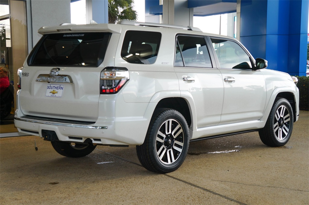 Pre-Owned 2016 Toyota 4Runner 1 Owner 4wd LOADED